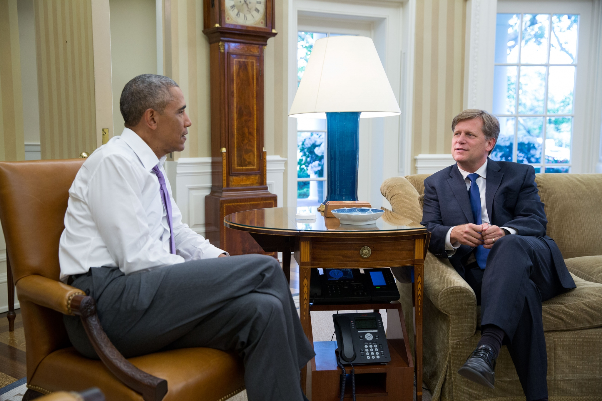 President Barack Obama meets with Mike McFaul in the Oval Office, June 10, 2016. (Official White House Photo by Pete Souza)
