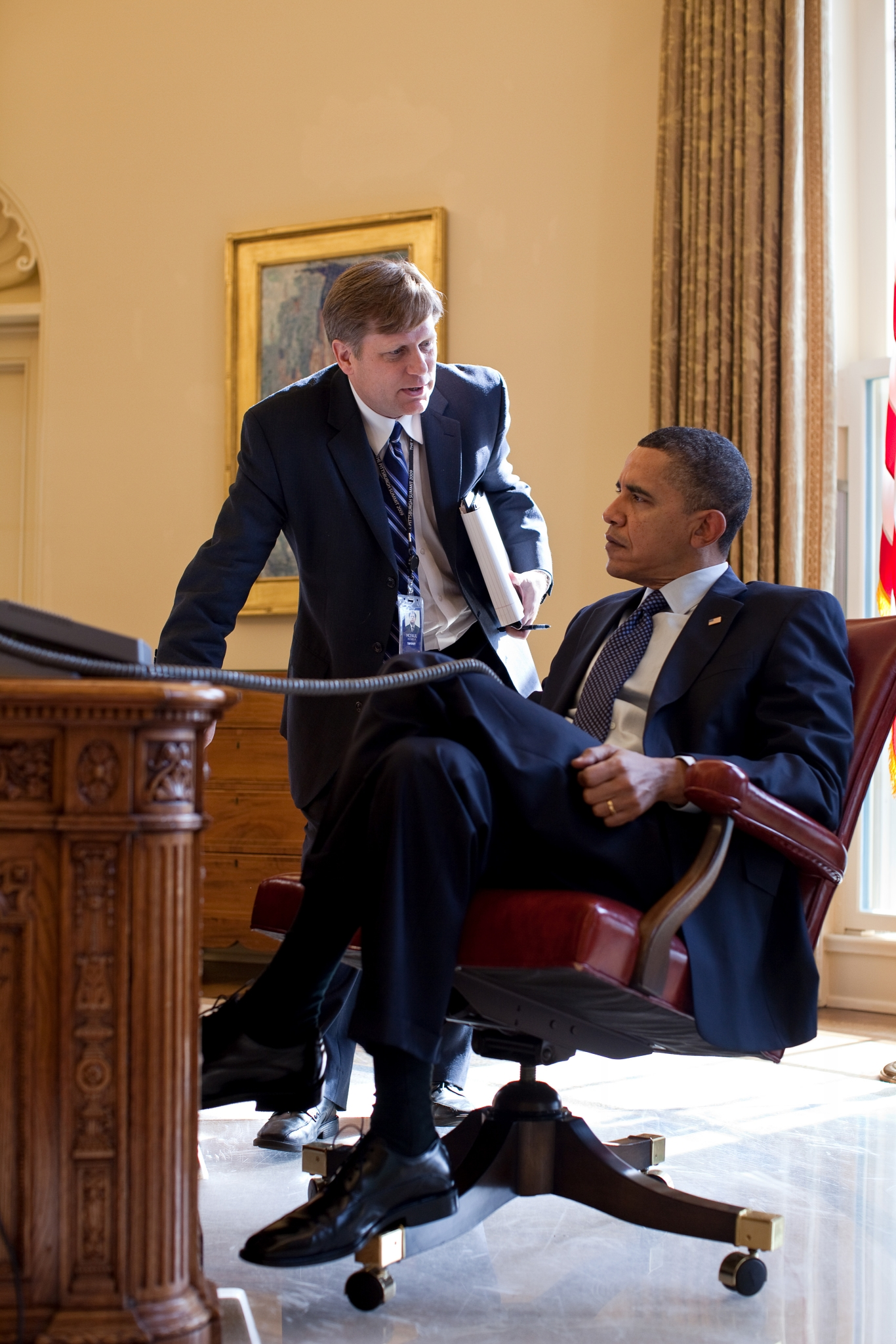 Mike McFaul briefs President Barack Obama in the Oval Office, February 24, 2010. (Official White House Photo by Pete Souza)
